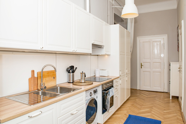 Details, pictures and price of the apartment Bach - Vorosmarty 58, Budapest n.1