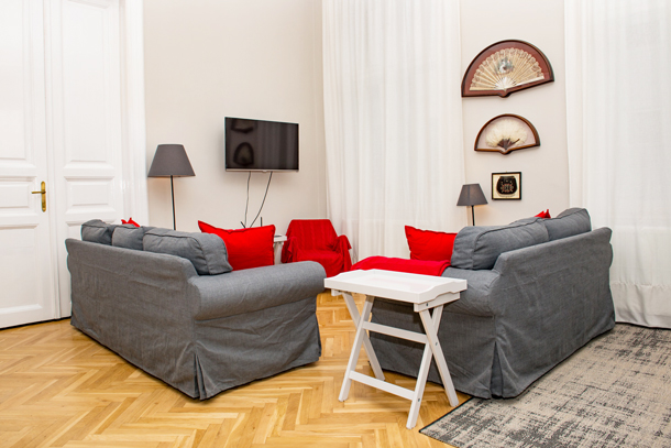 Details, pictures and price of the apartment Bach - Vorosmarty 58, Budapest n.4