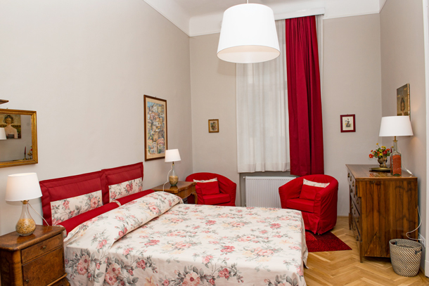Details, pictures and price of the apartment Bach - Vorosmarty 58, Budapest n.6