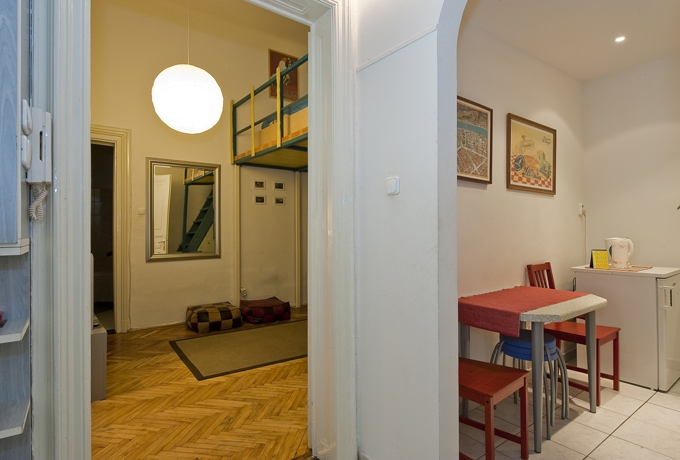 Details, pictures and price of the apartment Paganini - Oktogon, Budapest n.5