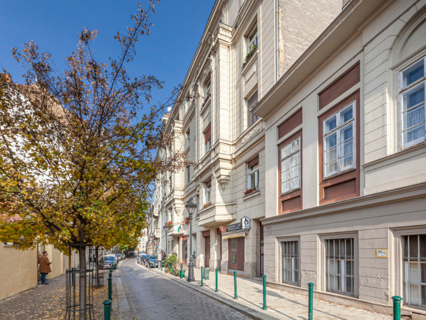 Details, pictures and price of the apartment Tosca - Veres Palne 30, Budapest n.11