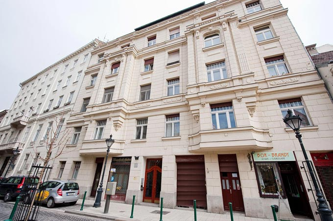 Details, pictures and price of the apartment Callas - Veres Palne 30, Budapest n.9