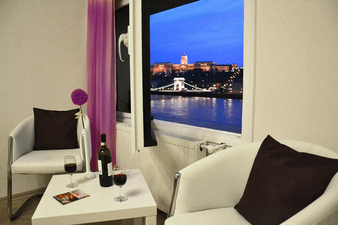 Details, pictures and price of the apartment Norma - Szechenyi 1, Budapest n.6